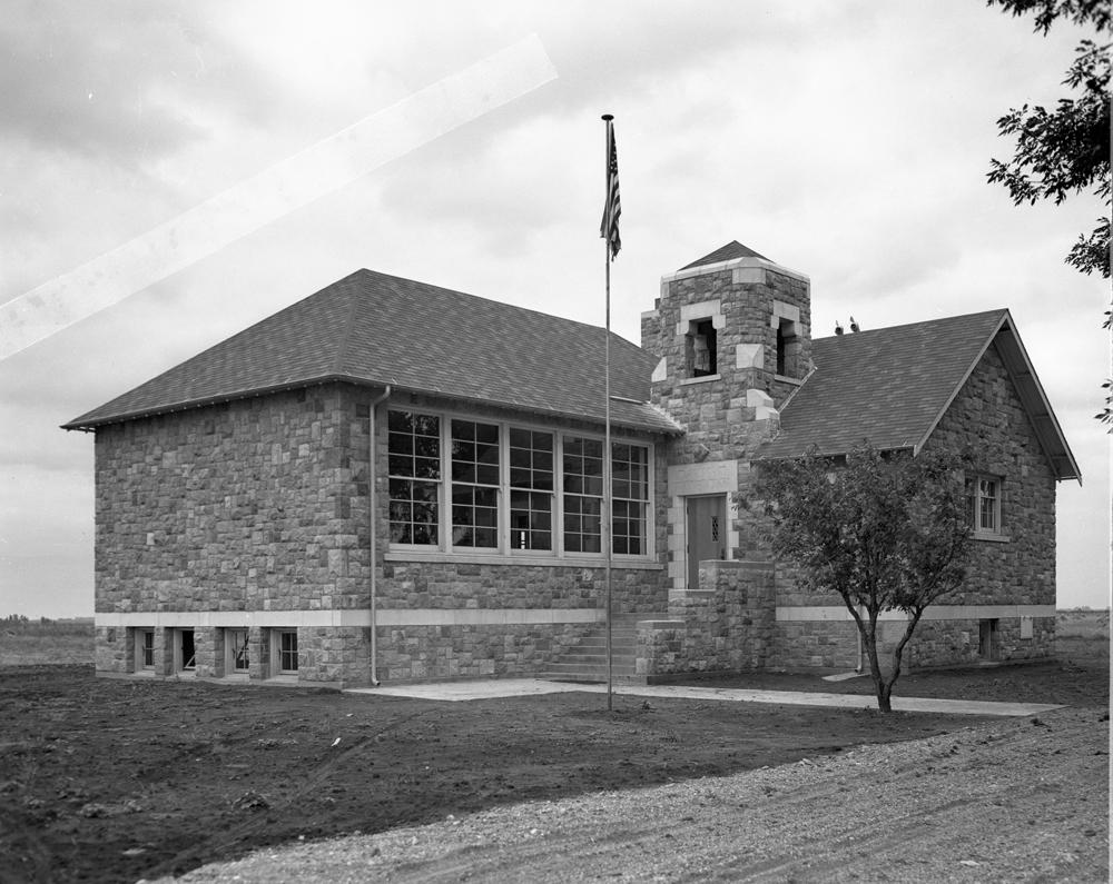 Gunderson School001
