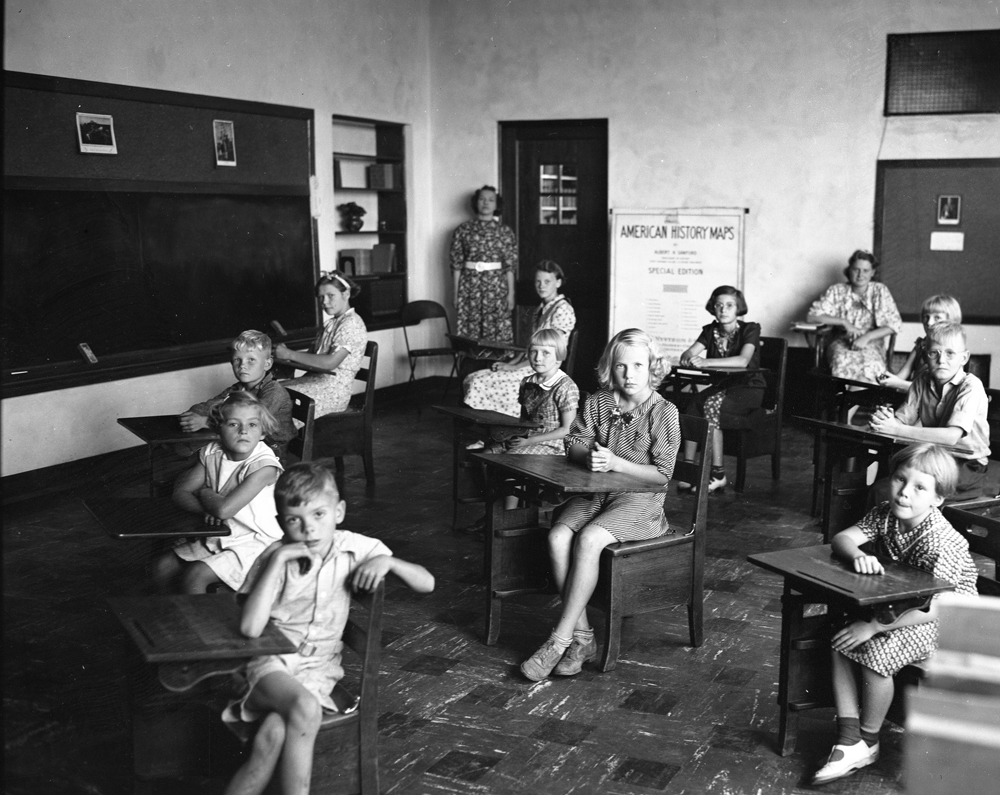 Gunderson School002