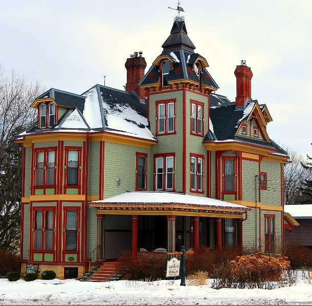A Complete Tour Of A Victorian Style Mansion: The Top 50 Coolest Houses In Minnesota